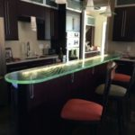 Ultra Clear Patterned Glass Counter With Under Lighting