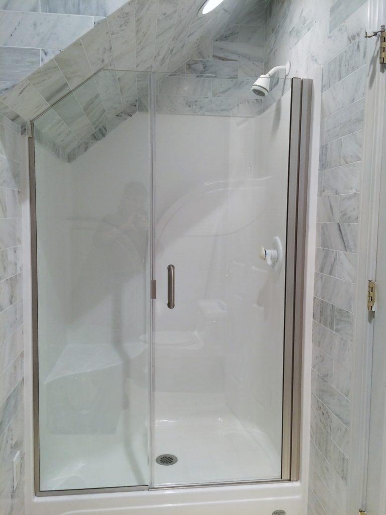 Custom Semi-Frameless Ultra Clear Inline Shower Enclosure