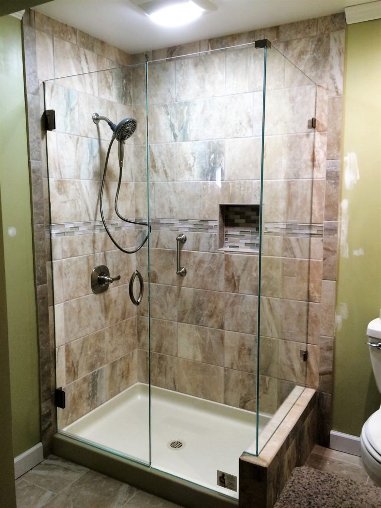 Ultra Clear Low Iron Glass Shower Enclosure with 90 Degree Partial Wall