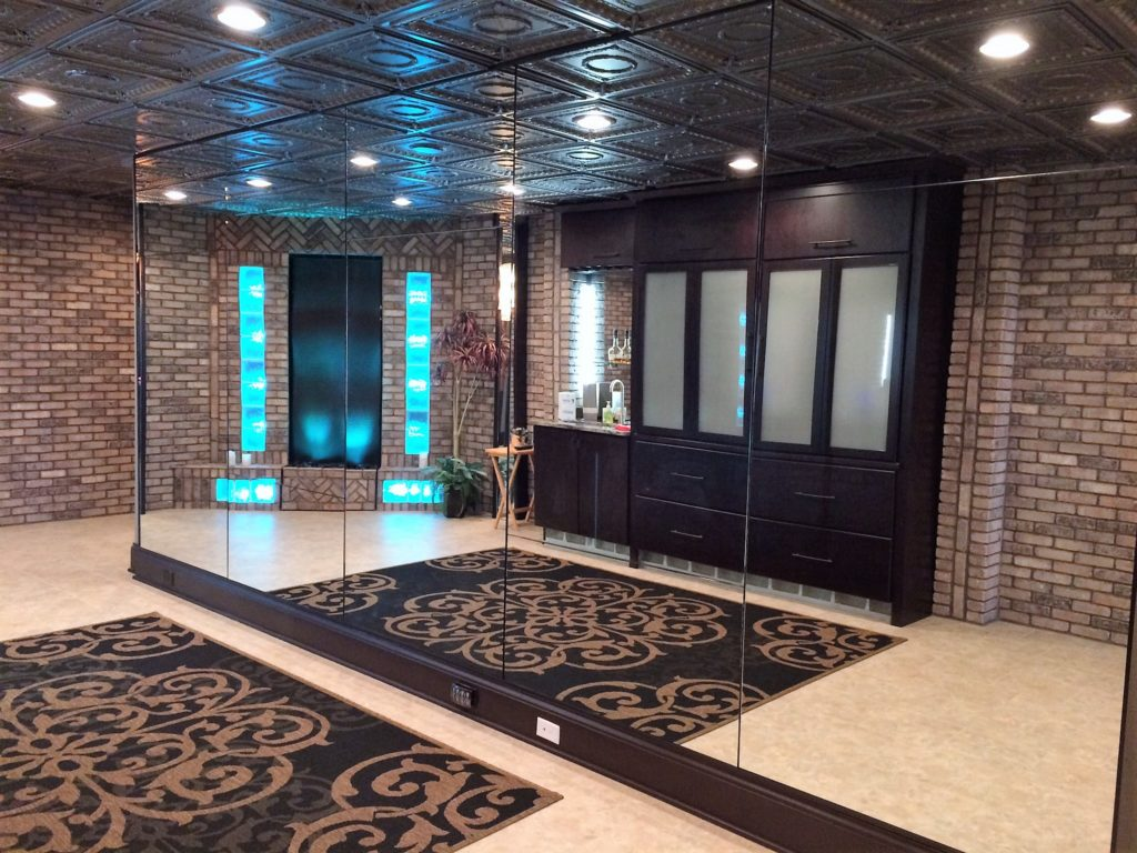 Multi-panel Floor to Ceiling Mirror Wall